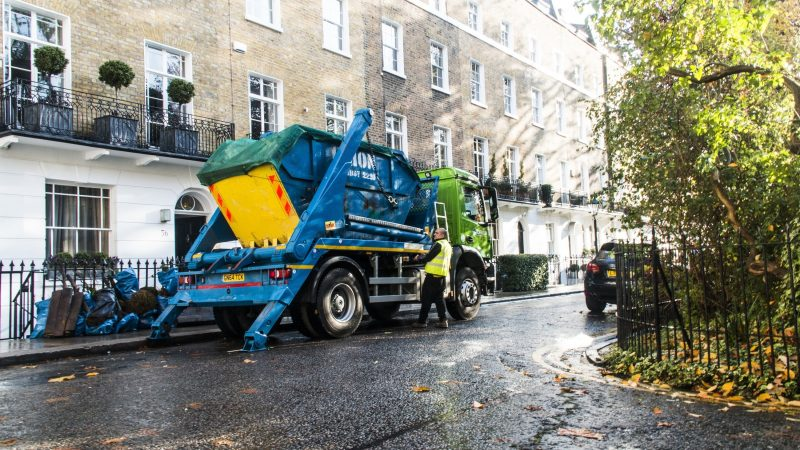 What Should You Look For To Decide Best Skip Hire Services?